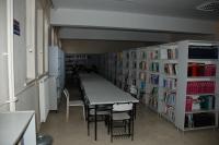 Nizip MYO kütüphanesi